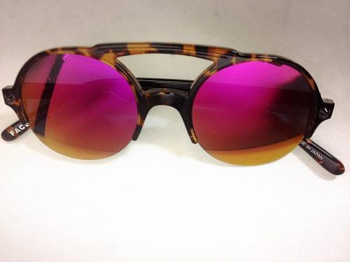 ファセッタズムのサングラス