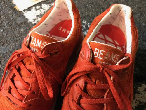 スニーカーのBEAMS