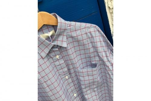 ネオンサインのシャツ