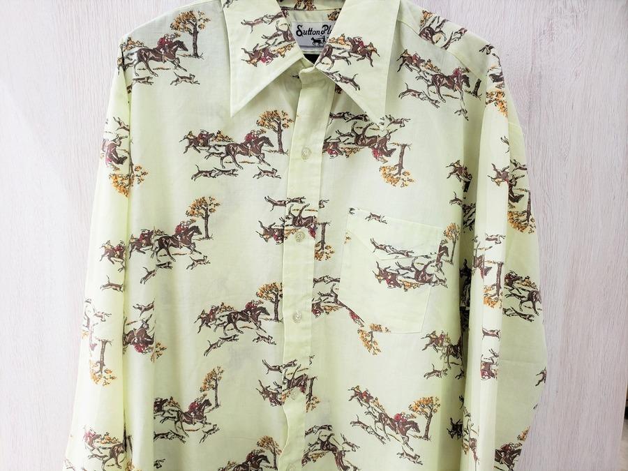 ユーズレットのシャツ