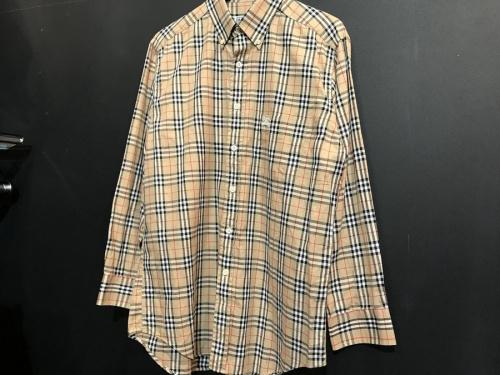 バーバリーのシャツ