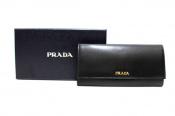 PRADA/プラダより高級感漂う長財布の入荷です