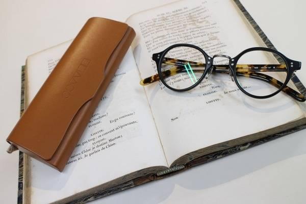 「オリバーピープルズのメガネ 」