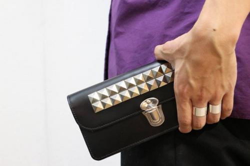 財布のスタッズ