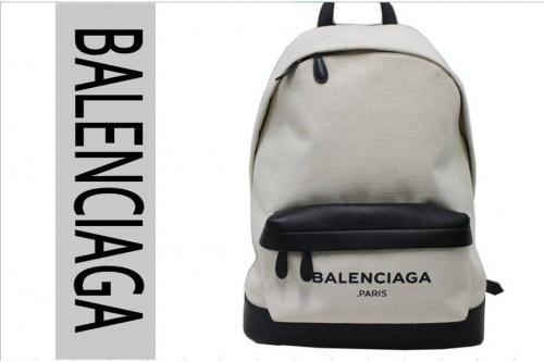 バレンシアガのバックパック
