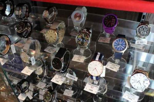 腕時計のサングラス
