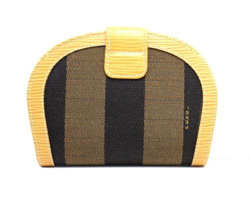 フェンディの財布
