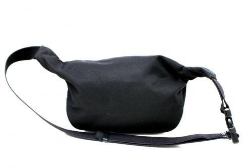 バレンシアガのウェストバッグ