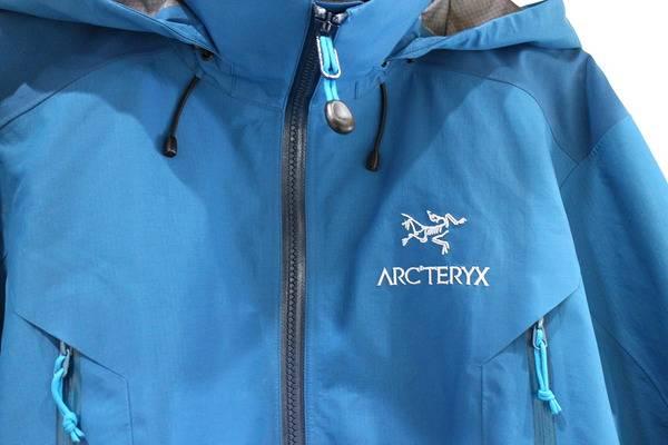 人気のArcteryx/アークテリクス定番マウンテンパーカー入荷しました。【古着買取トレファクスタイル戸越銀座店】