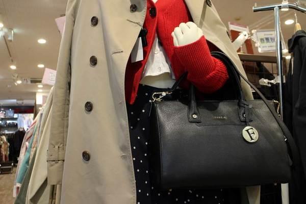 人気ブランドFURLA/フルラからON/OFF使える上品なバッグ入荷しました!【古着買取トレファクスタイル戸越銀座店】