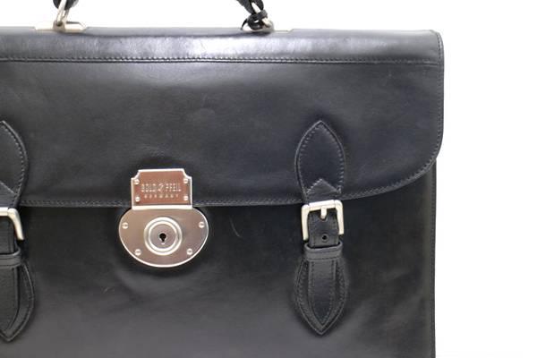 ドイツ老舗鞄メーカーのブリーフケース入荷しました。