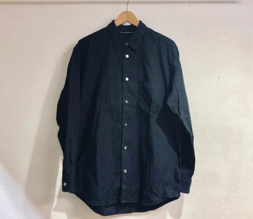 イッセイミヤケのベーシックシャツ