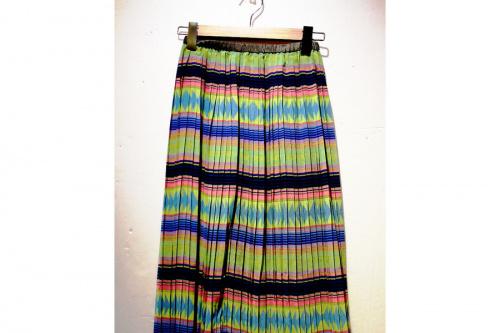 ローズバッドのプリーツスカート