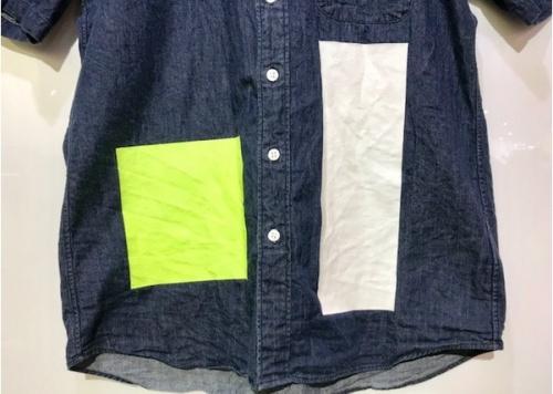 ボタンダウンシャツのシャツ