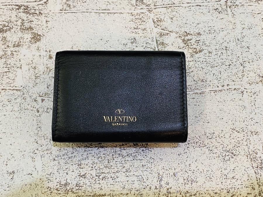 ヴァレンティノのスタッズミニウォレット