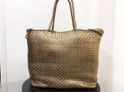 ANTEPRIMA/アンテプリマ このバッグ一つで洗練されたコーディネートに