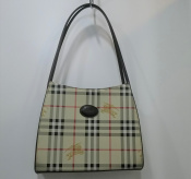 【Burberrys/バーバリーズ】のバッグのご紹介です!『古着買取トレファクスタイル亀戸2号店』