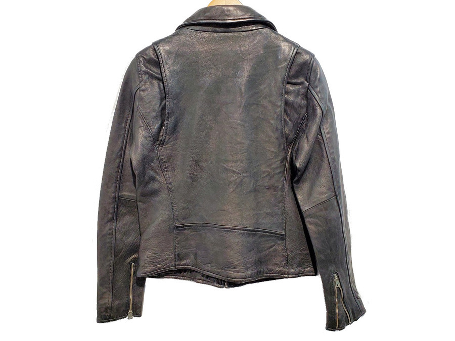 レザージャケットのライダースジャケット