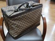 【LOUIS VUITTON /ルイヴィトン 】収納性と高級感溢れるバッグが入荷しました。