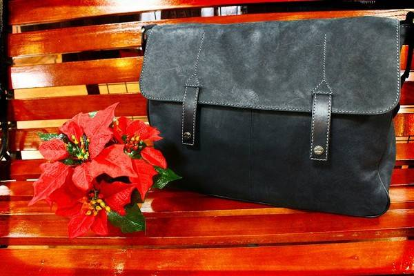 「フルラウオモのバッグ 」
