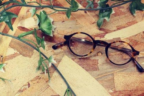 ブフトの眼鏡
