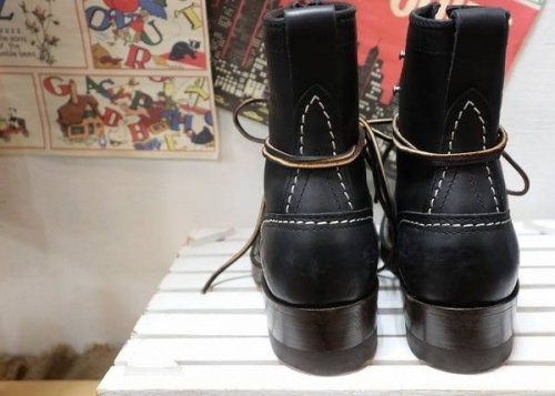 町田 成瀬のブーツ