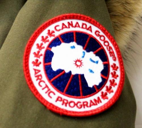 カナダグースのダウンジャケット
