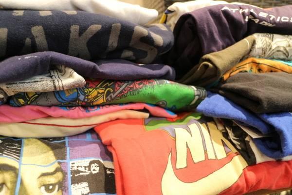 「ヴィンテージのバンドTシャツ 」