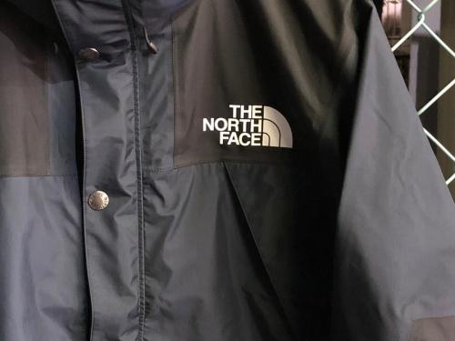 ニッテレ×ゲンテンのマウンテンレインテックスジャケット