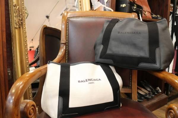 【BLACK or WHITE?】BALENCIAGA/バレンシアガ キャンバストートバッグ新入荷♪【トレファクスタイル調布国領店】