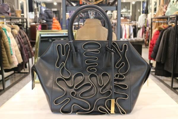 《Stella McCartney/ステラ・マッカートニー》小旅行などにもってこいなミニボストンバッグが入荷♪【古着買取トレファクスタイル調布国領店】