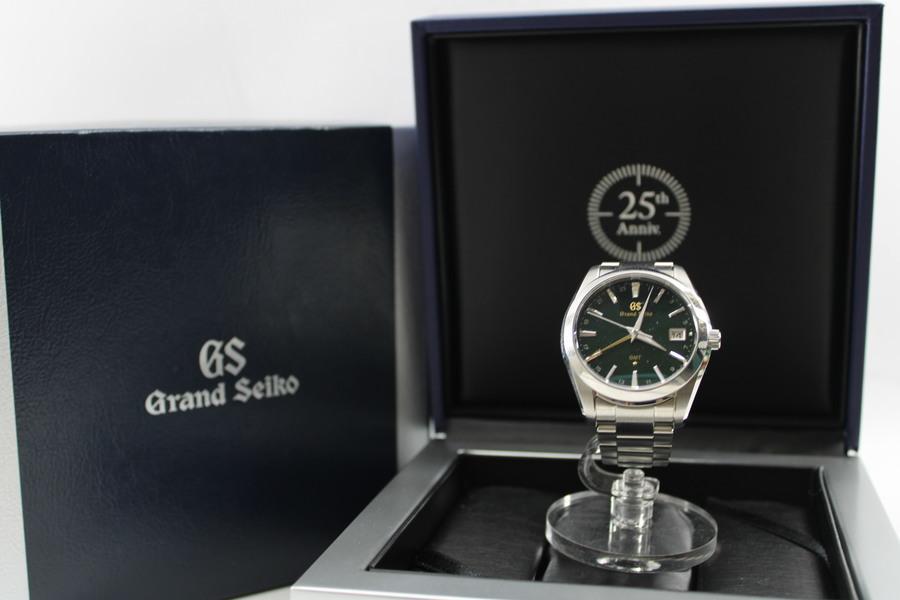 日本を代表する時計ブランド「GRAND SEIKO」についてのご紹介。【9F86-OAKO】