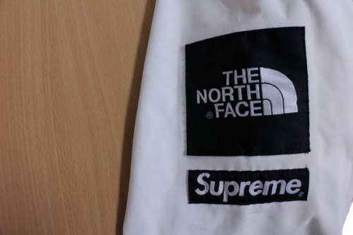 SUPREMEのTHE NORTH FACE