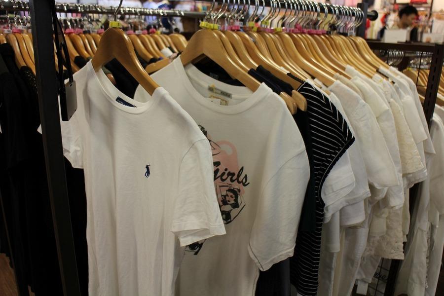 夏物買取強化のTシャツ