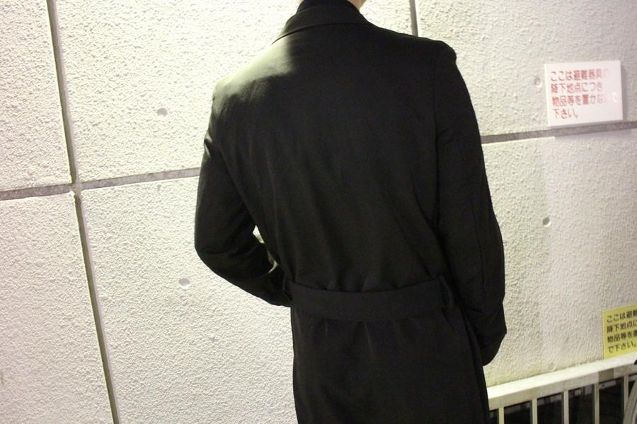 ロングコートのギャルソン
