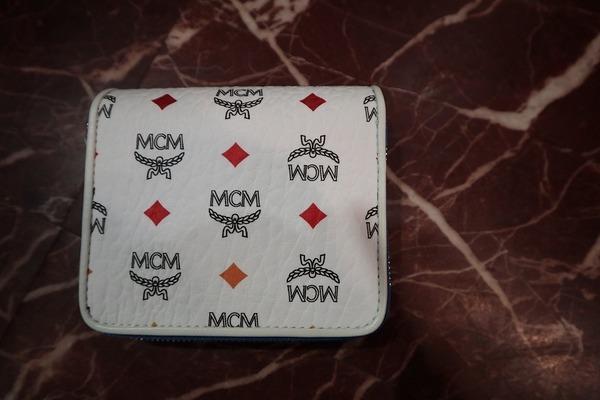 エムシーエムの財布