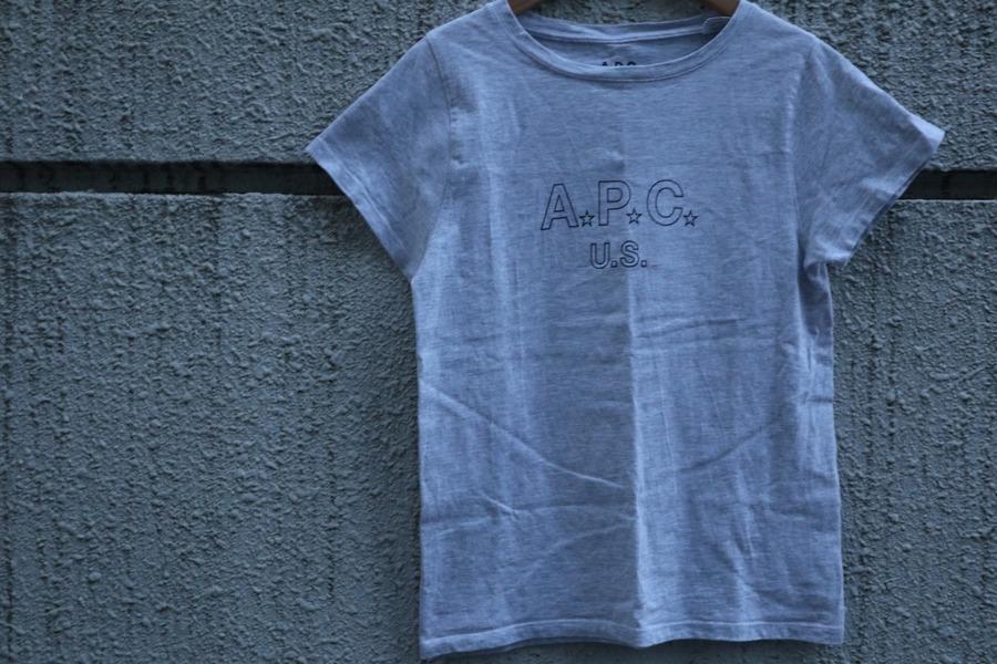 アーペーセーのT-シャツ