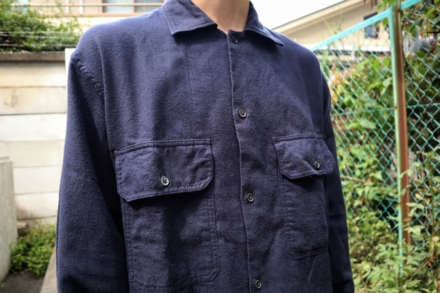 シャツのカーゴパンツ