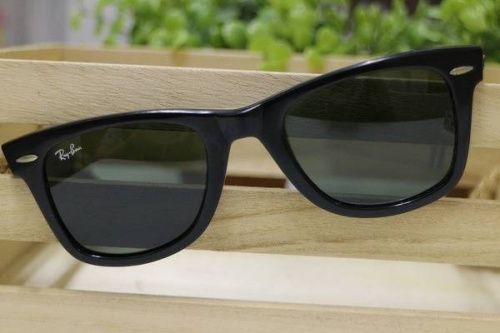 RAY-BANのサングラス