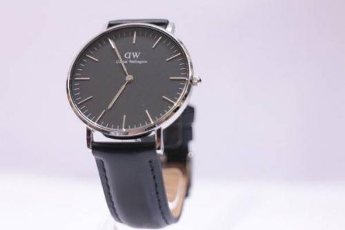 腕時計のブラック