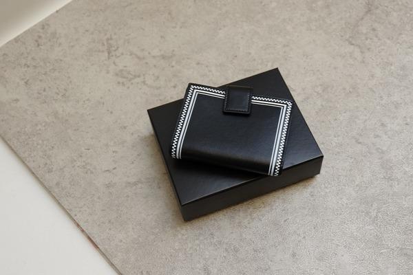 ヴェルサーチの財布