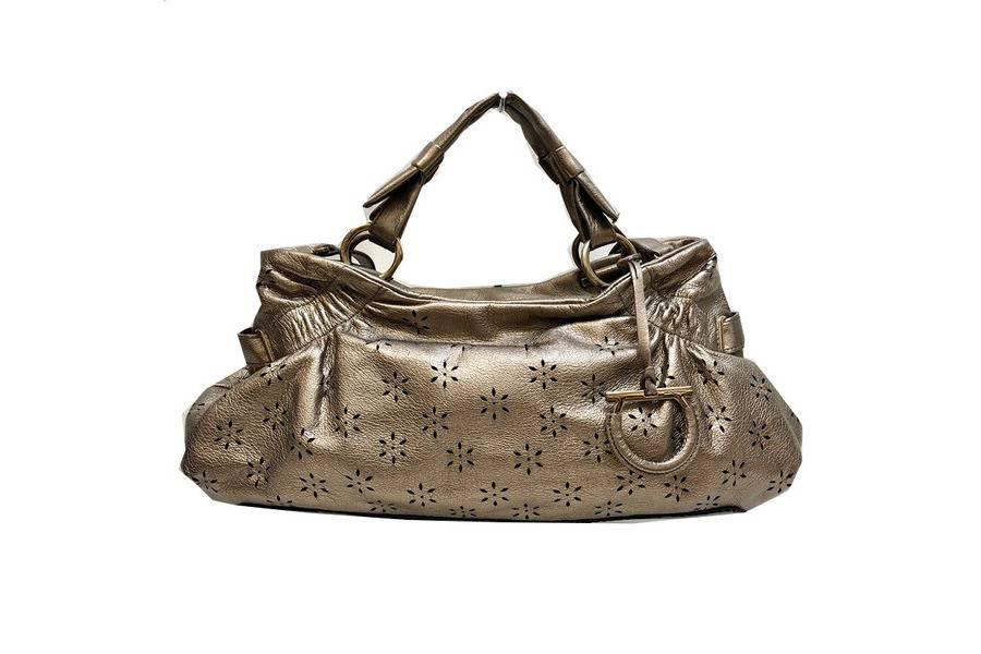 【歴史あり今もなお愛されるブランド】Salvatore Ferragamo2WAYバッグが堂々の入荷。
