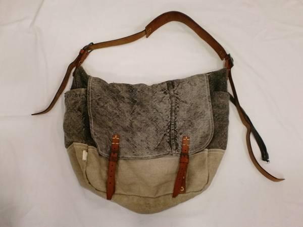 「arte povera(アートポベラ)のバッグ 」