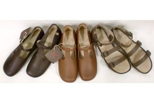 「KOOS コースの靴 」