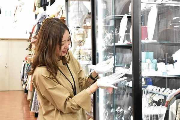 トレファクスタイル立川店アルバイト募集中ファッションが大好き!接客が好きな方必見です!!