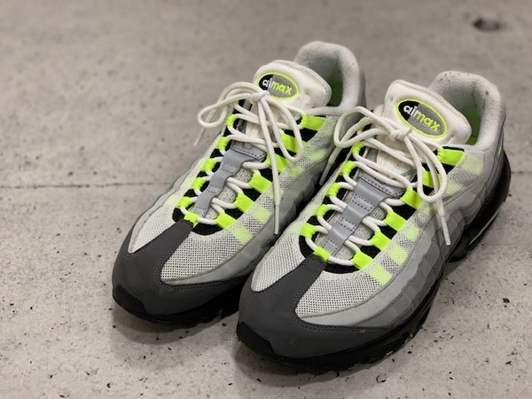 "【NIKE/ナイキ】20周年記念復刻モデル!AIR MAX 95 OG ""イエローグラデ"" (554970-071) が新入荷!!"