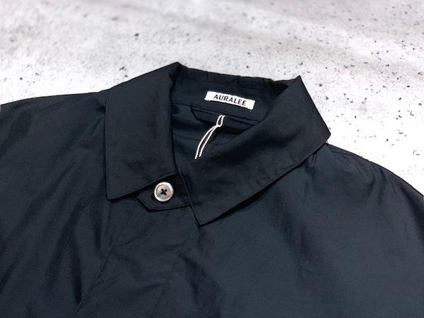 オーラリーのフスリーブシャツ