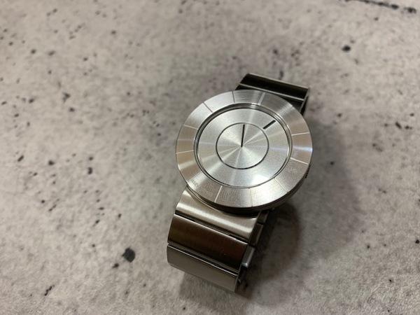 イッセイミヤケのSILAT001