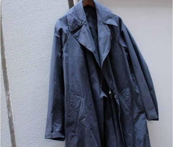 【COMOLI/コモリ】定番中の定番タイロッケンコートが入荷!気になる素材感は・・・