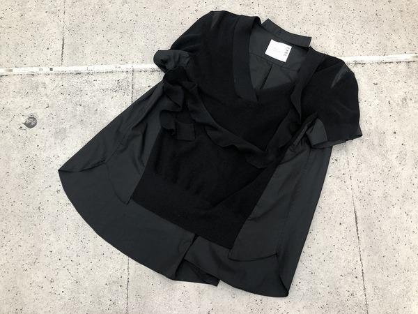 独自のテキスタイルを生み出し続ける【sacai/サカイ】より1枚でサマになるとっておきの1着が入荷しました。